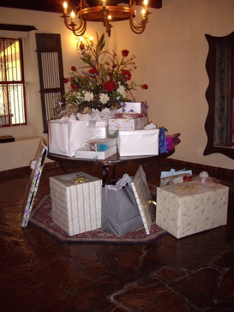 Etiquette For Wedding Gift Opening : gift etiquette, wedding gift amount etiquette, sending a wedding gift ...